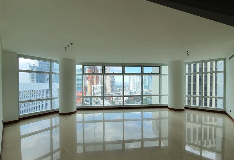 3Bedrooms Two Roxas Triangle Condo Apartment For Sale - Makati