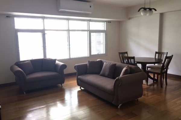 narra-2-br-fully-furnished-balcony-one-serendra-2-bedrooms-condo-rent-
