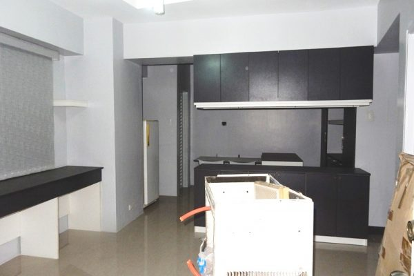 Greenbelt studio condo for rent semi furnished – Makati