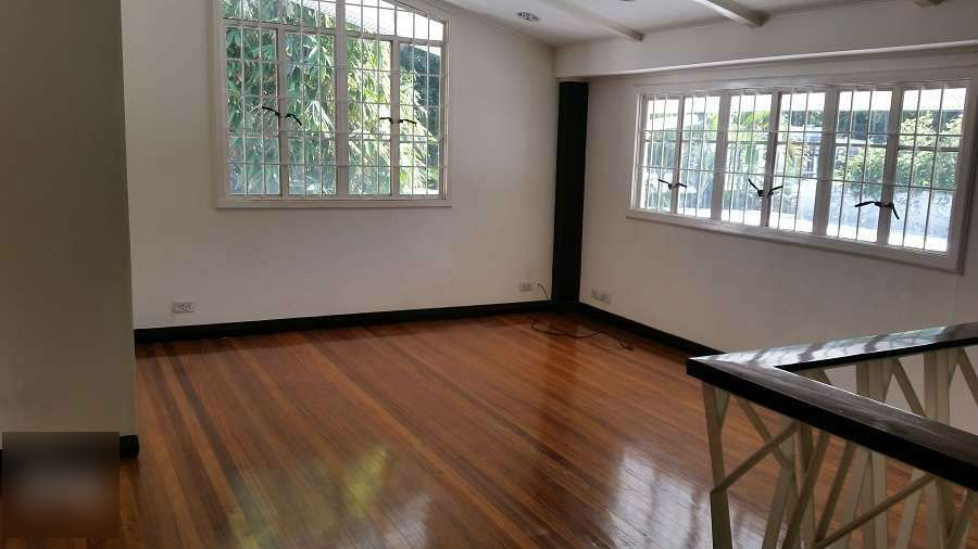 For Rent House and Lot in San Lorenzo Village Makati. 3 BR