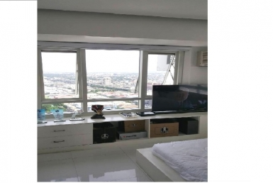 Column Legaspi, Makati City, 2 BR condo for sale Furnished