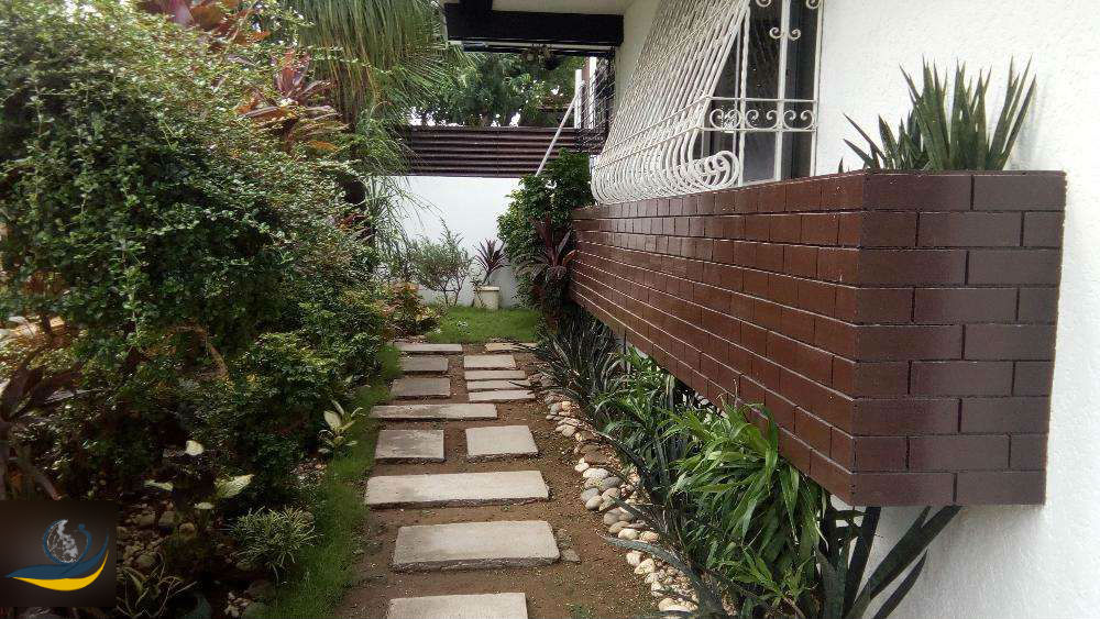 Merville Subdivision House and Lot Elegant bungalow for rent, Paranaque