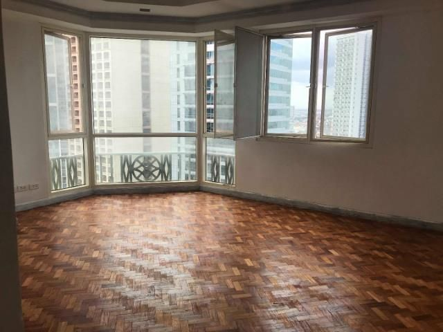 Regency at Salcedo, Makati 3-Bedroom with 2 Parking for sale