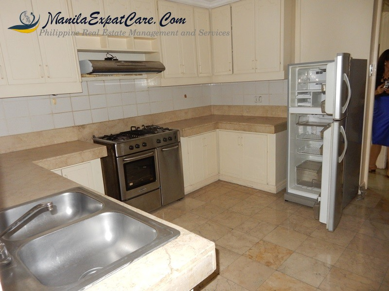 rent-makati-3-bedroom-3-br-condo-fully-furnished-4