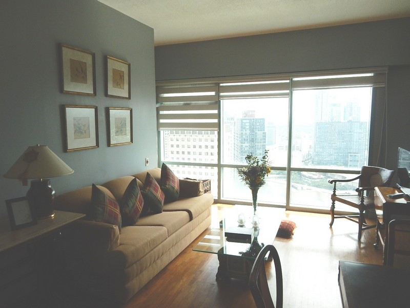 One legaspi park - 2 bedrooms condo rent near Greenbelt