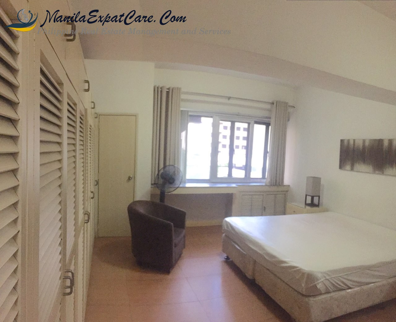 For Sale: 1 Bedroom Condo furnished in Legaspi Village, Makati