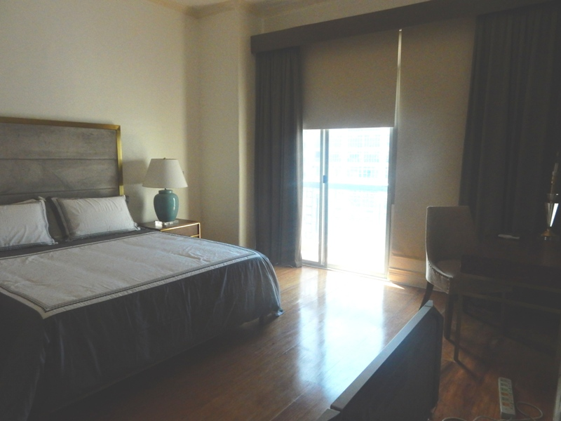 greenbelt-4-bedrooms-condo-for-rent-with-balcony-modern-furnitures-16