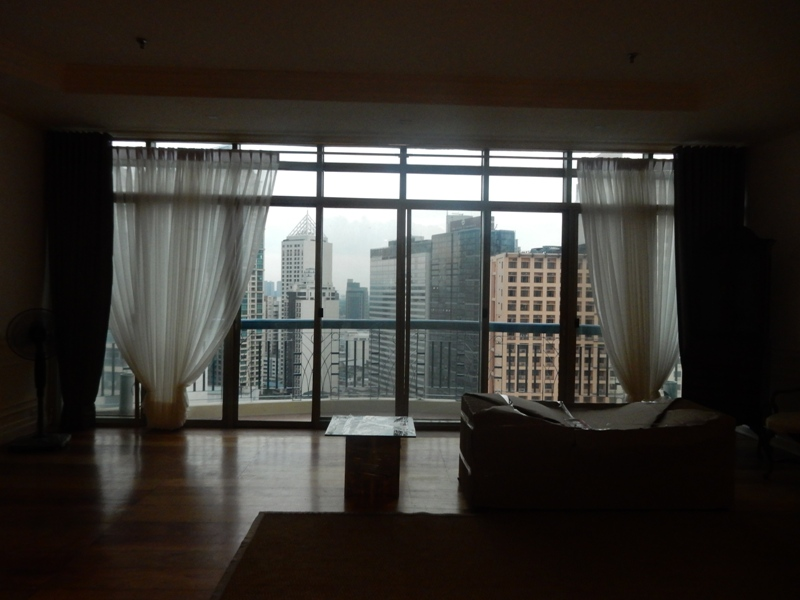greenbelt-4-bedrooms-condo-for-rent-with-balcony-modern-furnitures-5