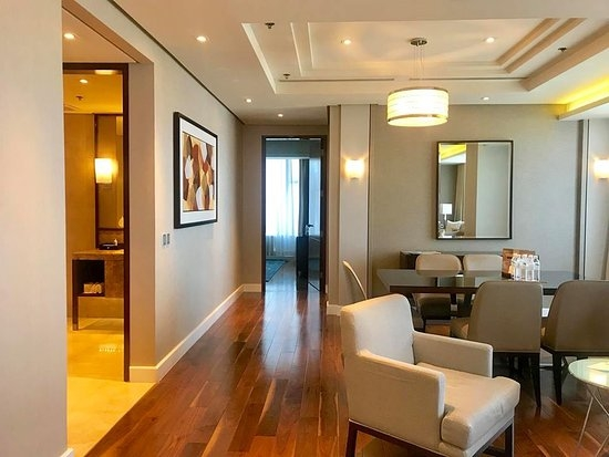 Fort-Bonifacio-Global-City-luxury-modern-3Bedrooms-condo-for-rent-