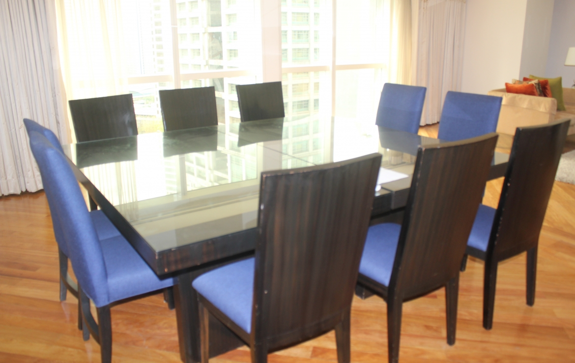4 Bedrooms For Rent at Fraser Place Located At Salcedo Village, staff
