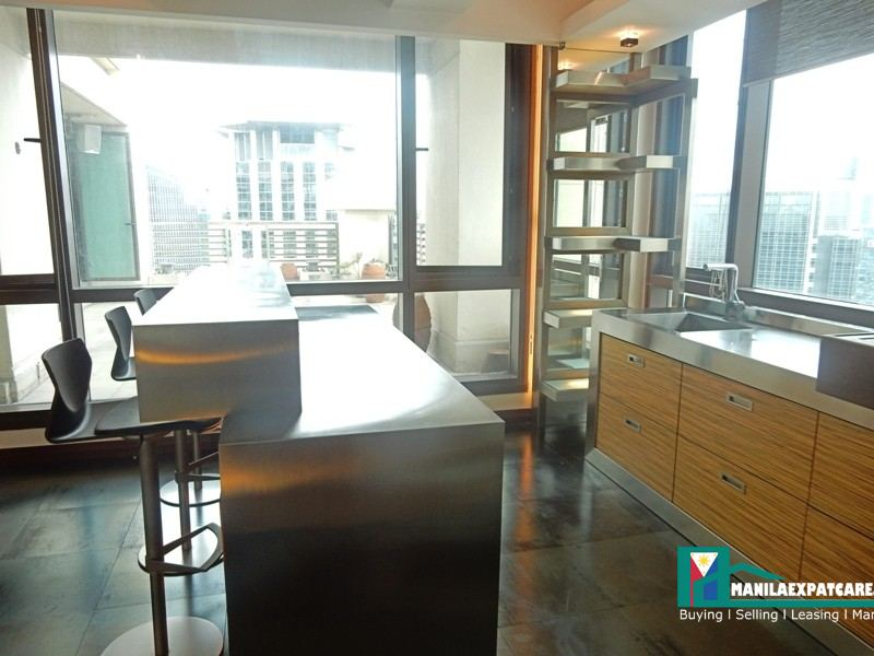 Makati Penthouse for Sale, modern 4 Bedrooms with large veranda near Greenbelt perea st