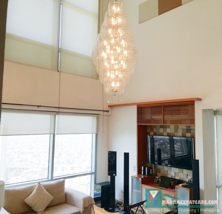 Penthouse 2Bedroom condo for sale furnished in Legaspi Village, Makati