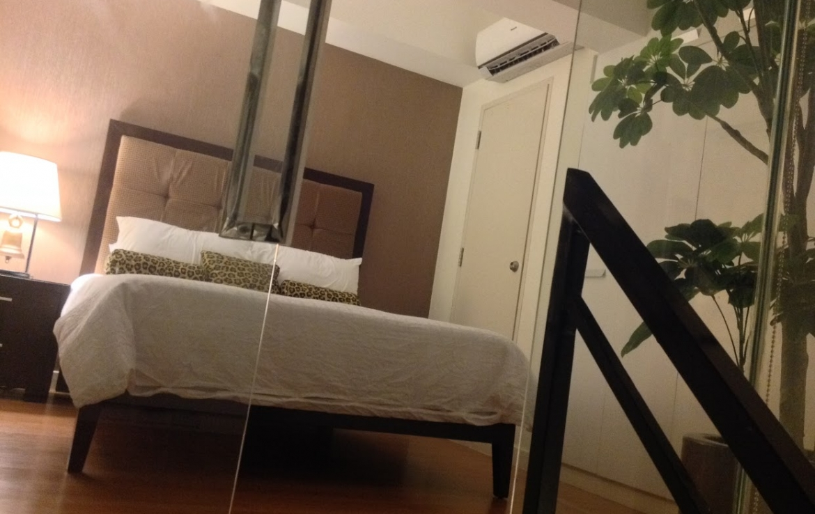 Eton Parkview Suites 1 bedrooms condo for SALE Legaspi Village, Makati