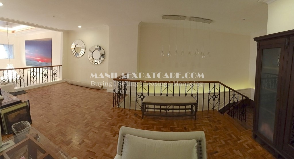 For SALE : Penthouse in Makati Le Triomphe condo for sale in Makati