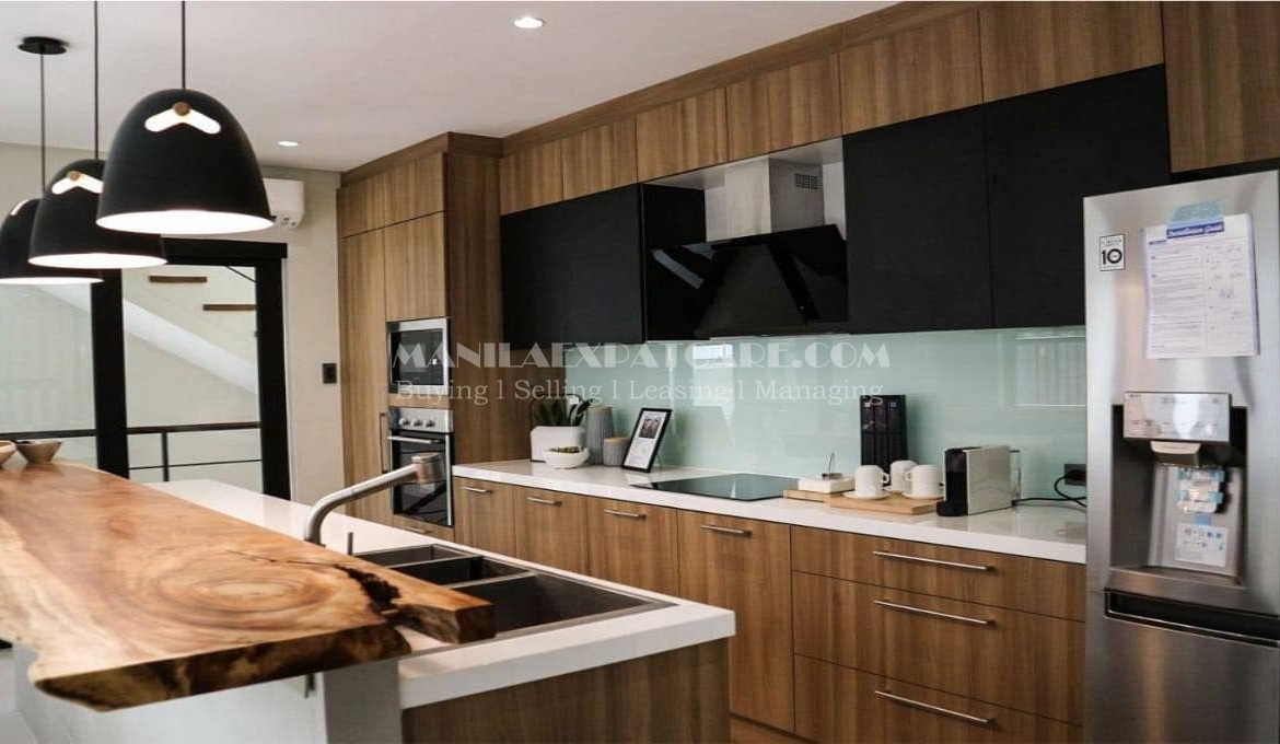 Modern townhouse for rent in Makati City 2 bedrooms home in Palm Village