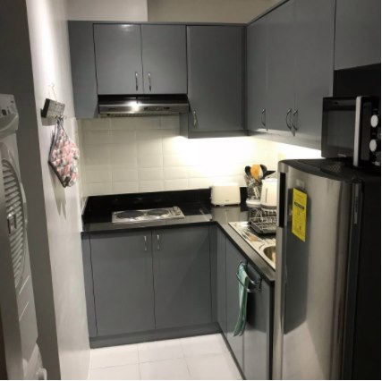 Fully furnished one-bedroom unit in Forbeswood Heights BGC