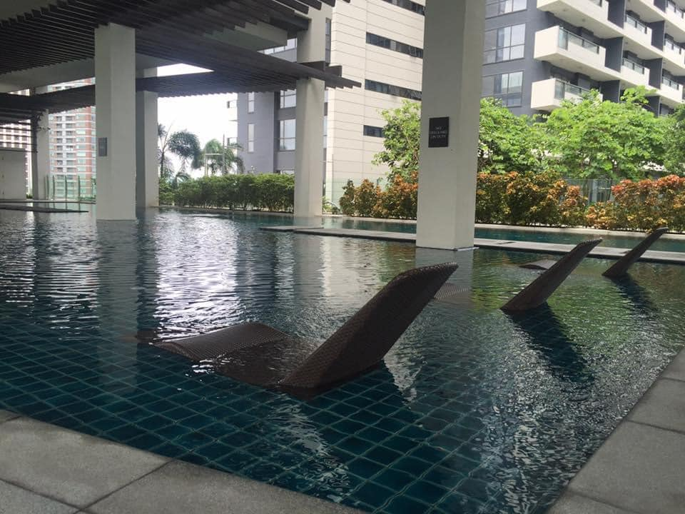 One Bedroom Arya Residences condo unit for SALE in Fort Bonifacio BGC Fully furnished