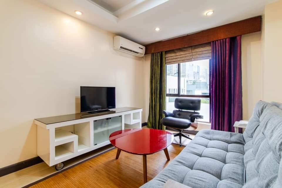 For Lease 1br Forbeswood Heights, BGC at Fort Bonifacio
