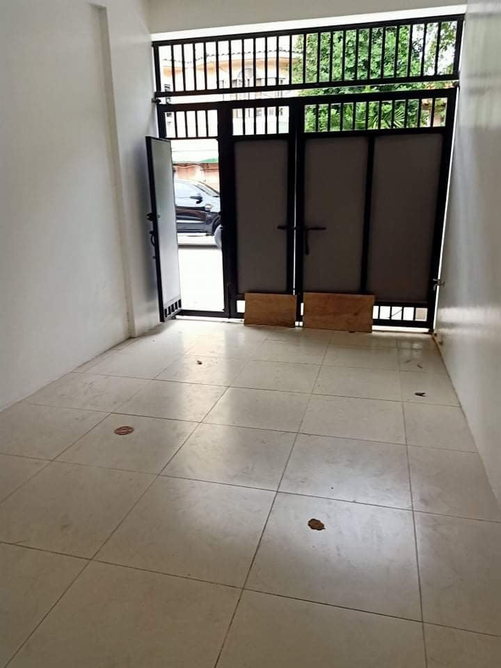 Makati Townhouse for sale 4 storey near Shopwise