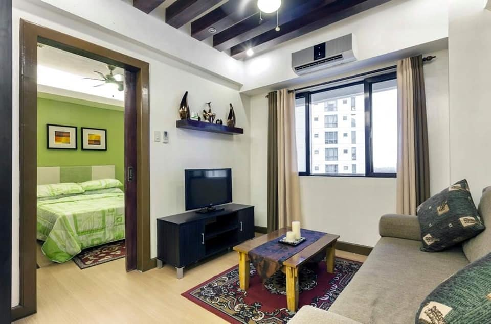 For Lease: 1BR in Forbeswood Heights modern interior BGC