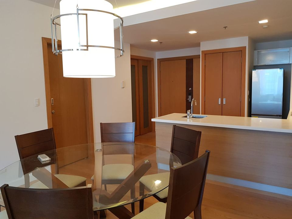 For SALE: Park Terraces Point Tower 1 bedroom with Den in Makati City