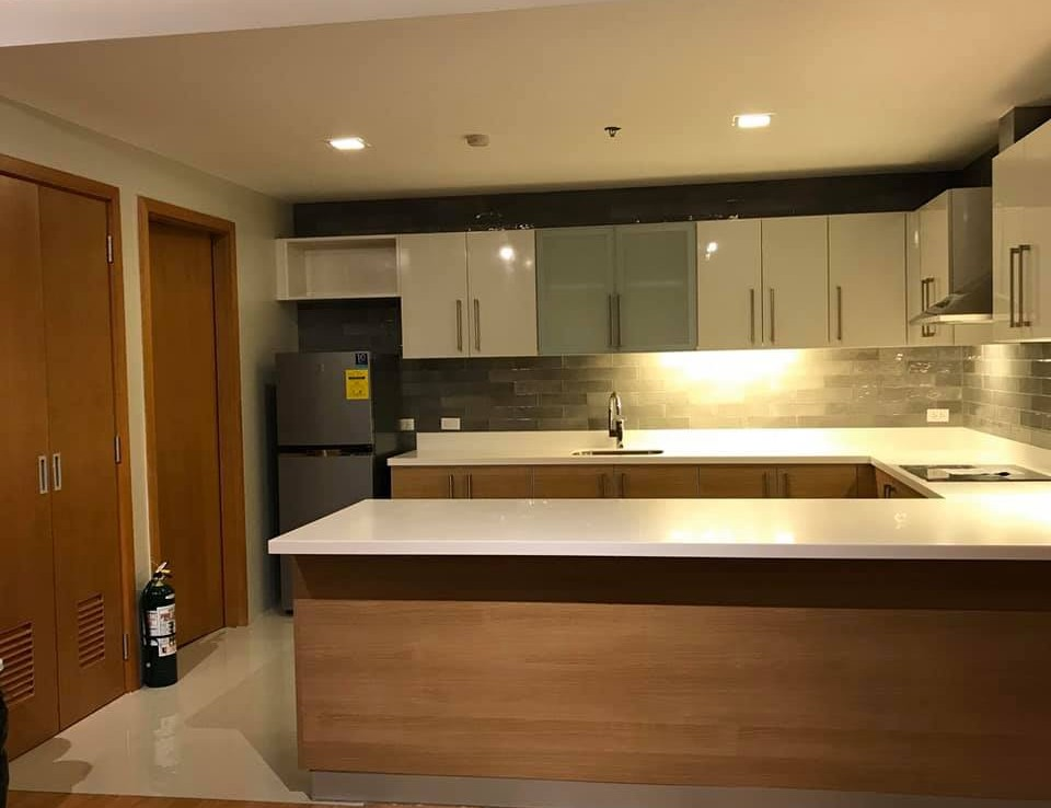 For lease: 1BR ParkTerraces Tower 2 Fully Furnished in Makati City