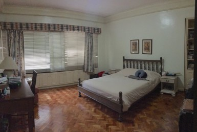 Fire SALE Condo 3Bedrooms near Park in Salcedo, Makati City
