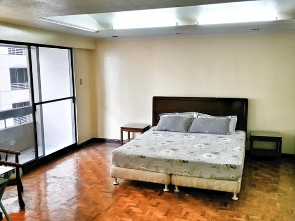 2 Bedrooms For Rent in Salcedo Village, Makati Manila