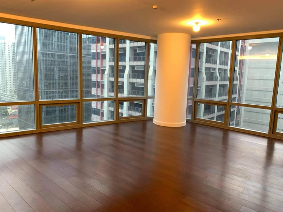 The Suites by Ayala Land Premier 2 BR w/balcony For Lease