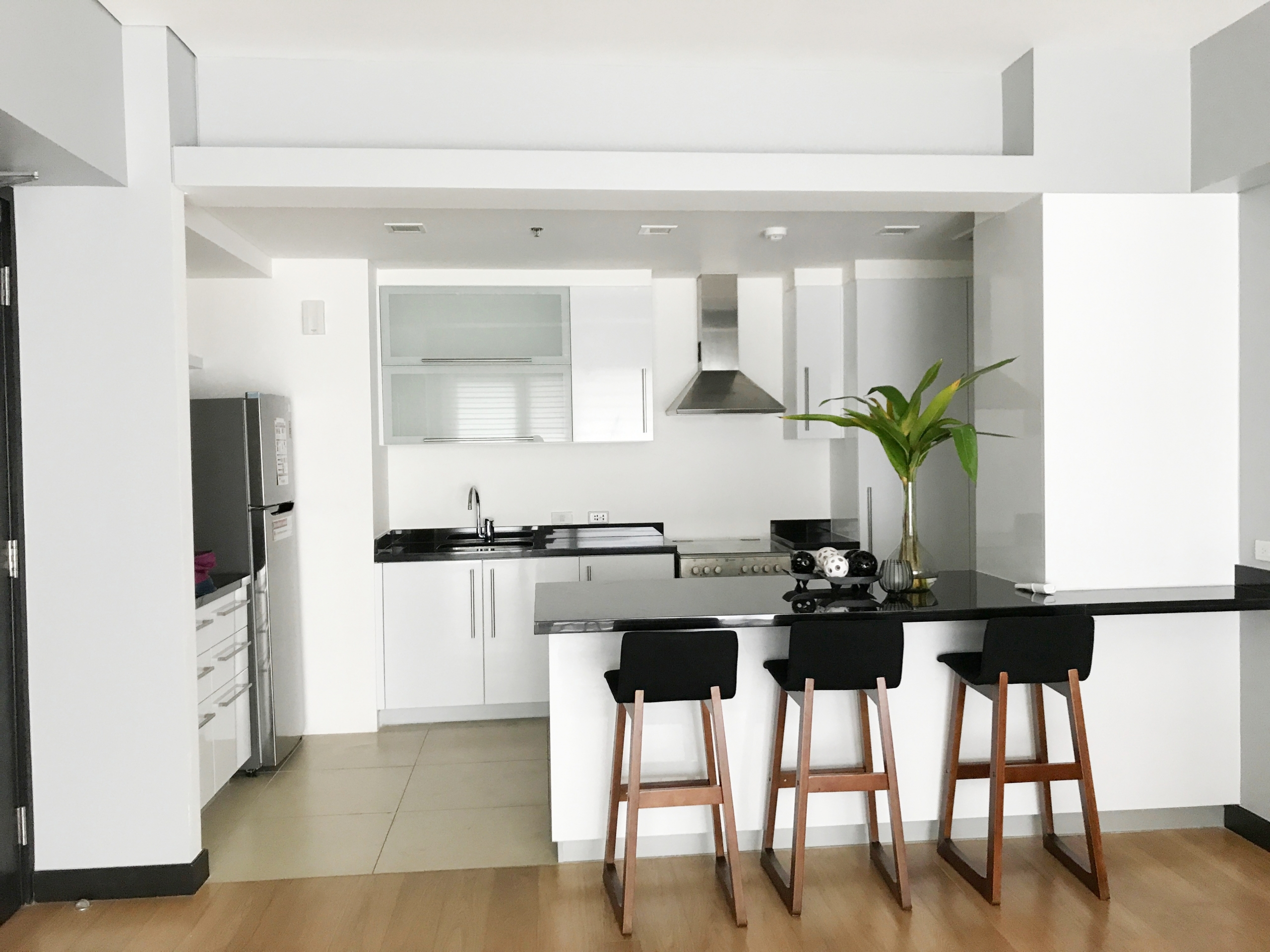 WEST TOWER at One Serendra - Condos for Rent 1 BR