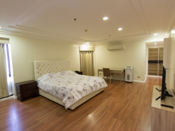 Pacific Plaza Condominium Makati for rent three bedrooms