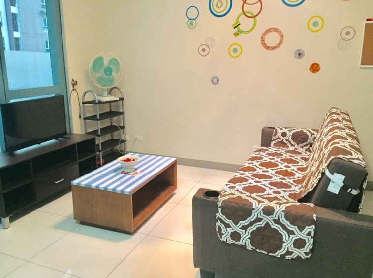 For Rent One Uptown Residence 2 bedrooms condo BGC