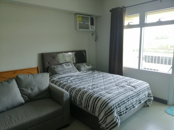 𝐅𝐎𝐑 RENT Studio Type Aston at Two Serendra Apartments & Condos BGC